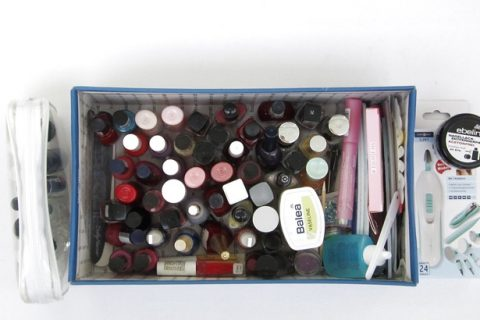 All manicure necessities in a box – a stingy blogger's way